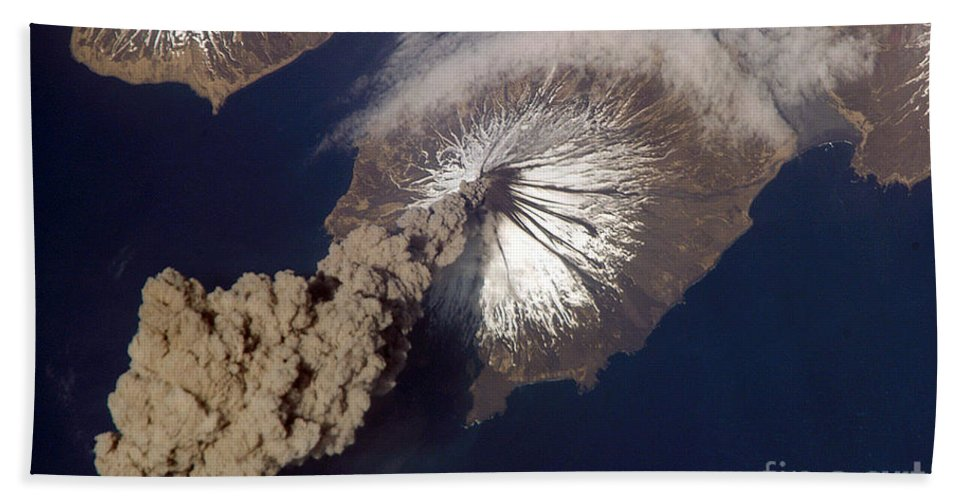 Science Beach Towel featuring the photograph Cleveland Volcano, Iss Image by Science Source