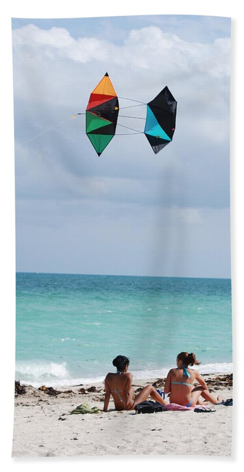 Sea Scape Beach Sheet featuring the photograph Close Encounters by Rob Hans