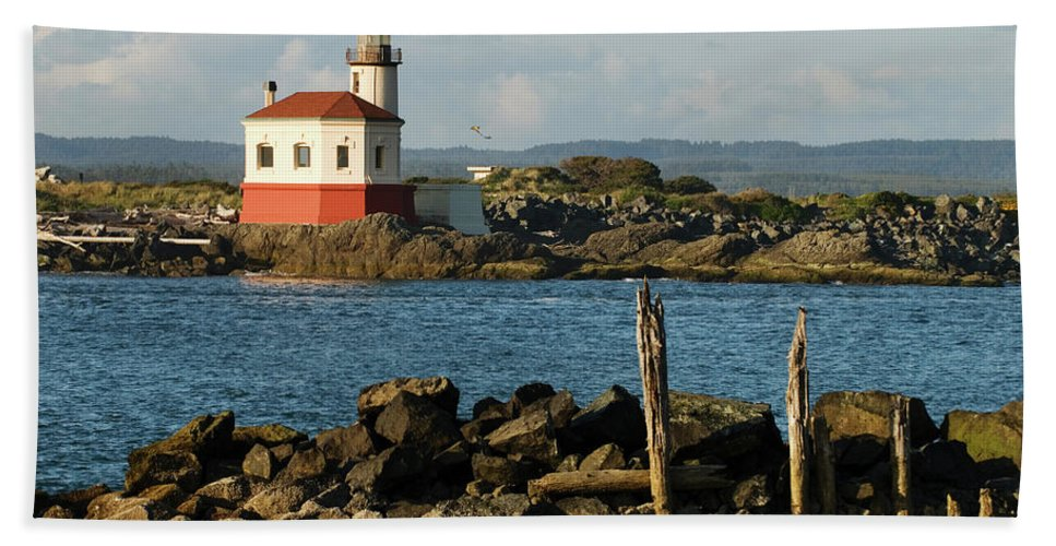 Oregon Beach Towel featuring the photograph Coquille River Lighthouse Bandon Oregon by Renee Hong