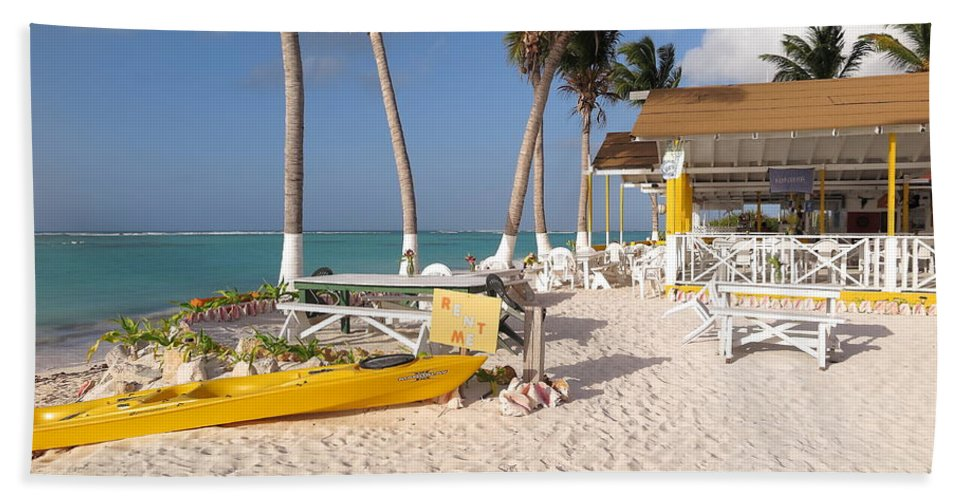 Cow Wreck Beach Towel featuring the photograph Cow Wreck Bay Beach Bar 2 by Eric Glaser