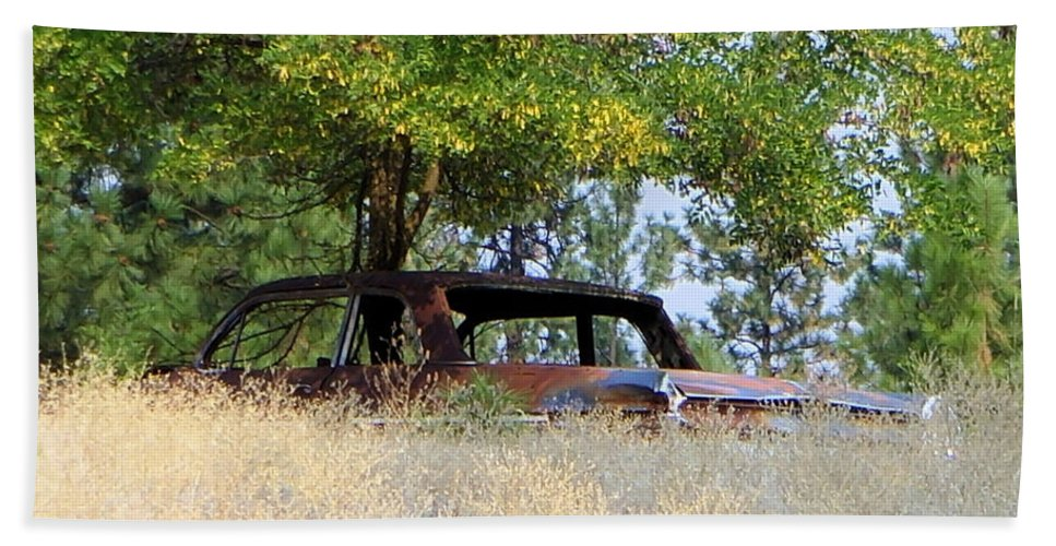 Old Cars Beach Towel featuring the photograph Cruising The Weeds by Jeff Swan