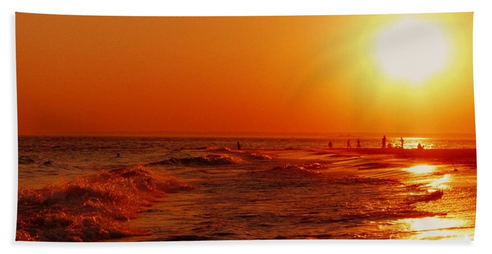 Sunset Beach Towel featuring the photograph Day's End by Kendall Eutemey
