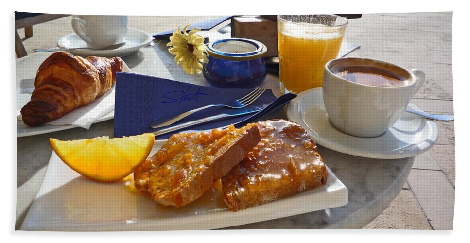 Breakfast Beach Towel featuring the photograph Desayuno by Charles Stuart