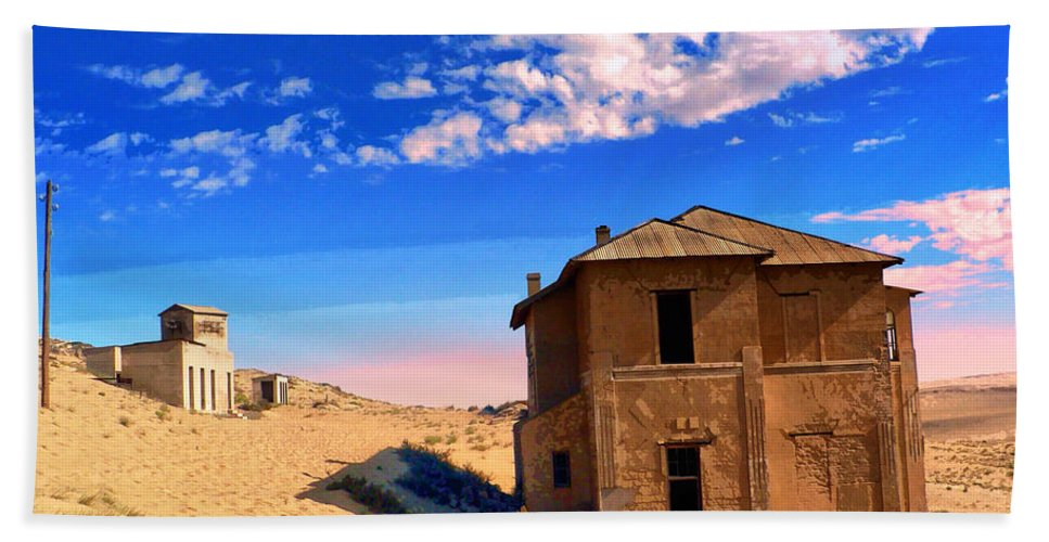 Desert Dreamscape Beach Towel featuring the mixed media Desert Dreamscape 2 by Dominic Piperata