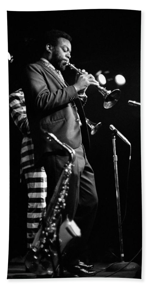 Ornette Coleman Beach Towel featuring the photograph Dewey Redman On Musette by Lee Santa
