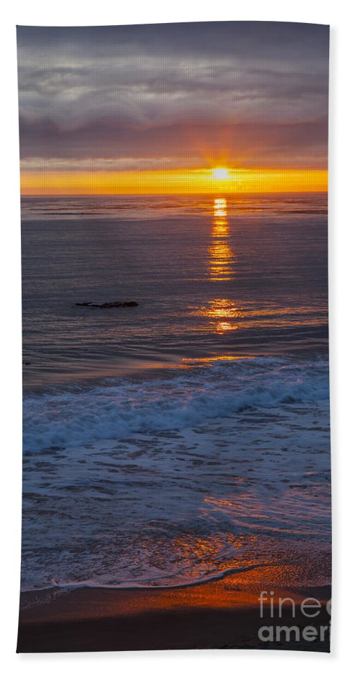 Vertical Beach Towel featuring the photograph Dramatic Ocean Reflection Of Color by Sharon Foelz