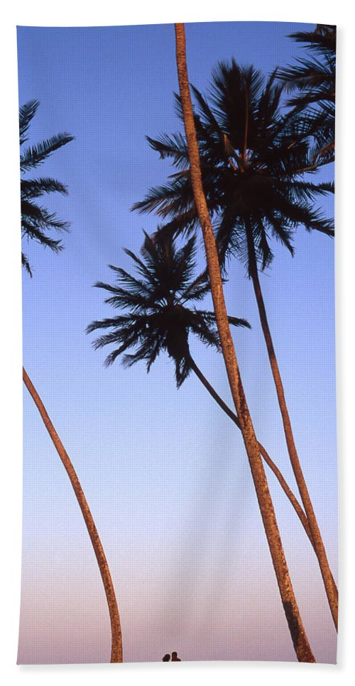 Bahia Beach Towel featuring the photograph Dusk In Morro by Patrick Klauss