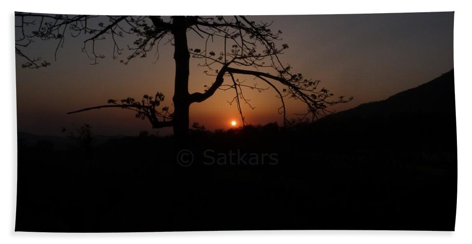 Landscape Beach Towel featuring the photograph Dusk by Satish Kumar