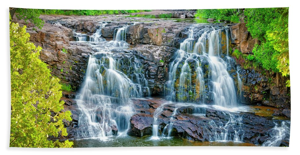 Gooseberry Beach Towel featuring the photograph Early Morning At The Upper Falls by Roderick Bley