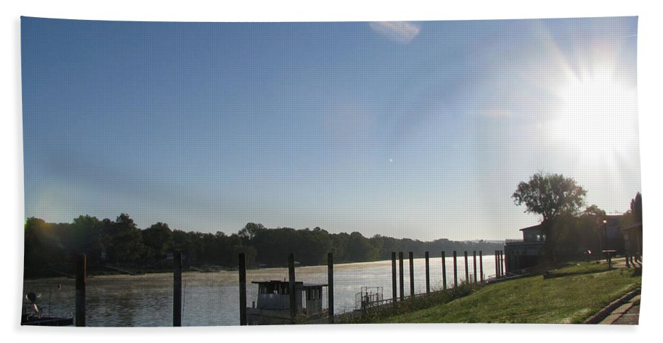 River Beach Towel featuring the photograph Early Morning On The Savannah River by Donna Brown