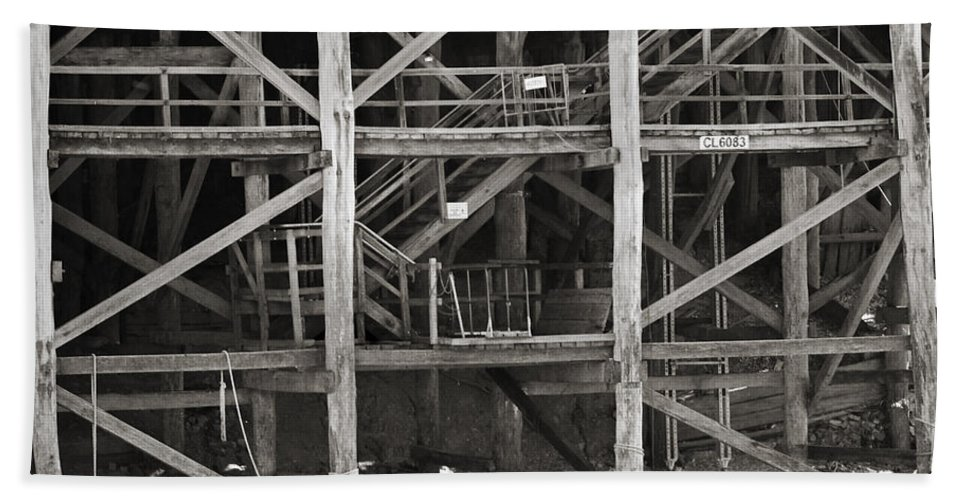 Wharf Beach Towel featuring the photograph Echuca Wharf by Kelly Jade King