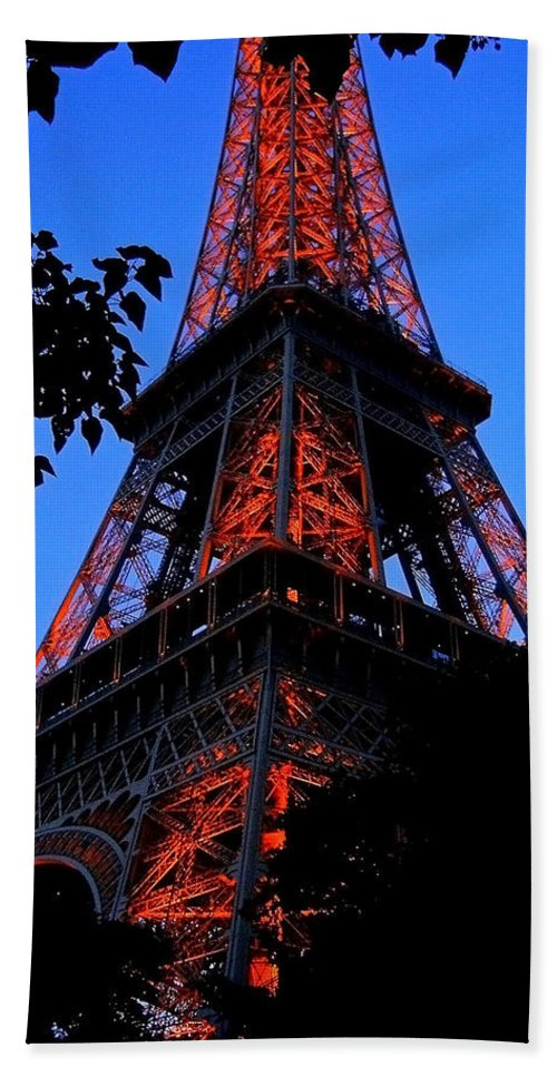 Europe Beach Towel featuring the photograph Eiffel Tower by Juergen Weiss