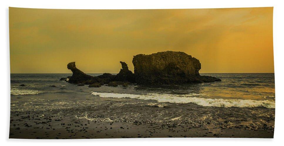 Sunzal Beach Towel featuring the photograph El Tunco, La Libertad, El Salvador by Totto Ponce
