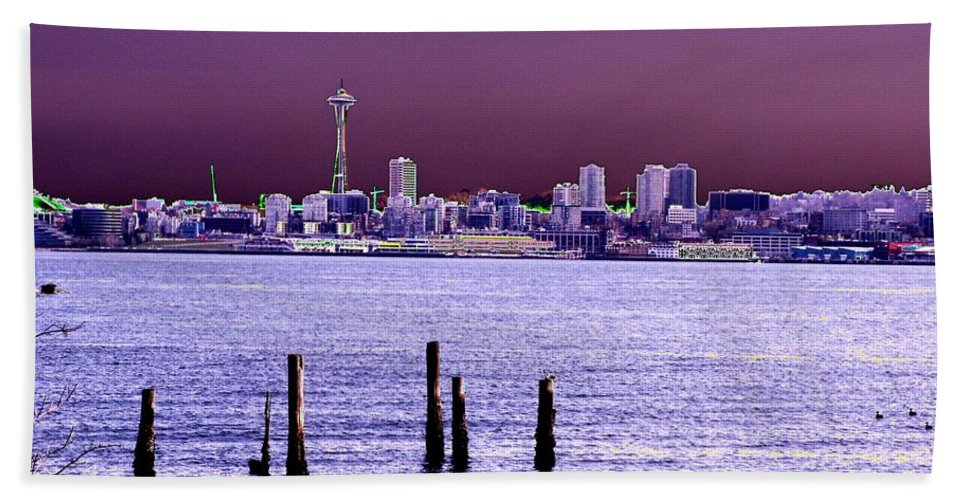 Seattle Beach Towel featuring the photograph Emerald City Skyline by Tim Allen
