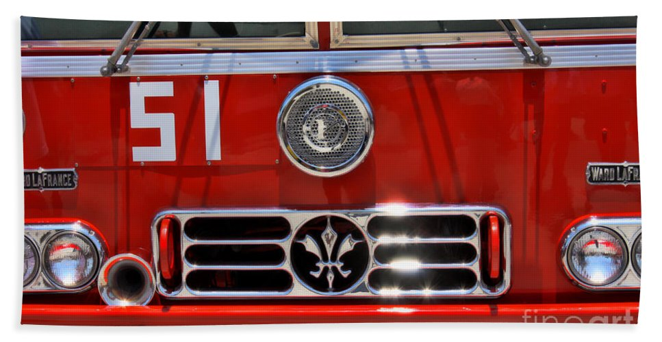 Engine 51 Beach Towel featuring the photograph Engine 51 Grill by Tommy Anderson