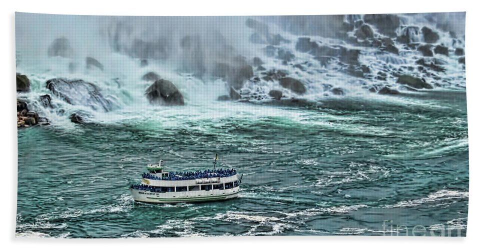 Niagara Beach Towel featuring the photograph Falls Boat by Traci Cottingham