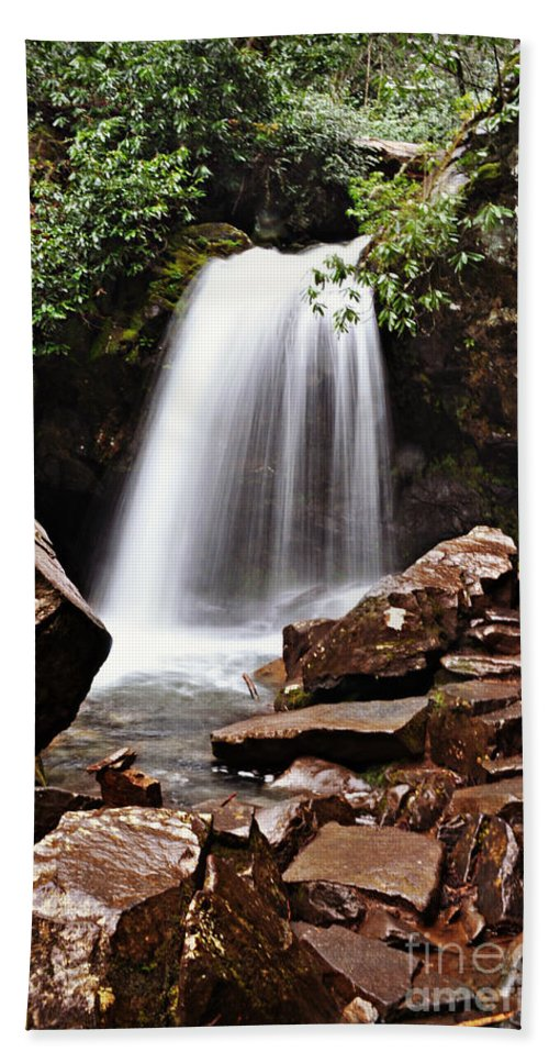 Tennessee Beach Towel featuring the photograph Falls of Tennessee by Eric Liller