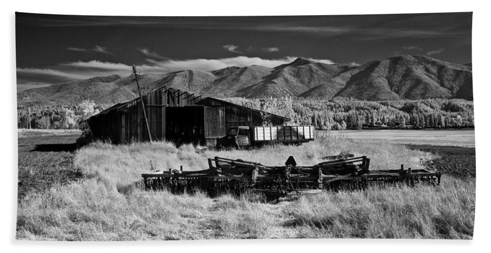 B&w Beach Towel featuring the photograph Farm Building In Infrared by Lee Santa