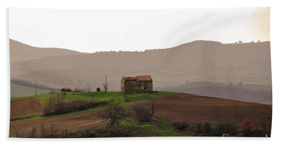 Farmhouse Beach Towel featuring the photograph Farmhouse by Ilaria Andreucci