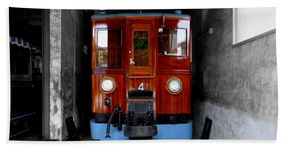 Train Beach Towel featuring the photograph Ferrocarrril De Soller by Charles Stuart
