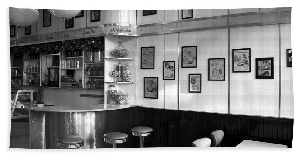 Fine Art Photography Beach Towel featuring the photograph Fifties Diner by David Lee Thompson