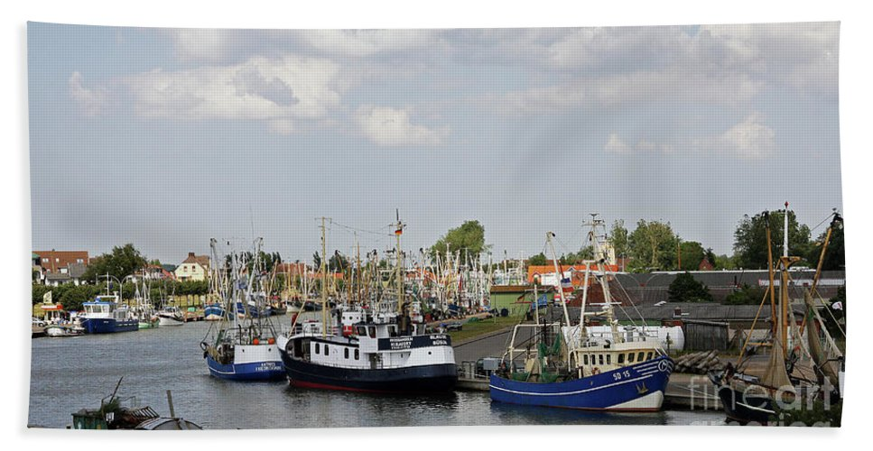 Port Beach Towel featuring the photograph Fishingport Buesum by Christiane Schulze Art And Photography