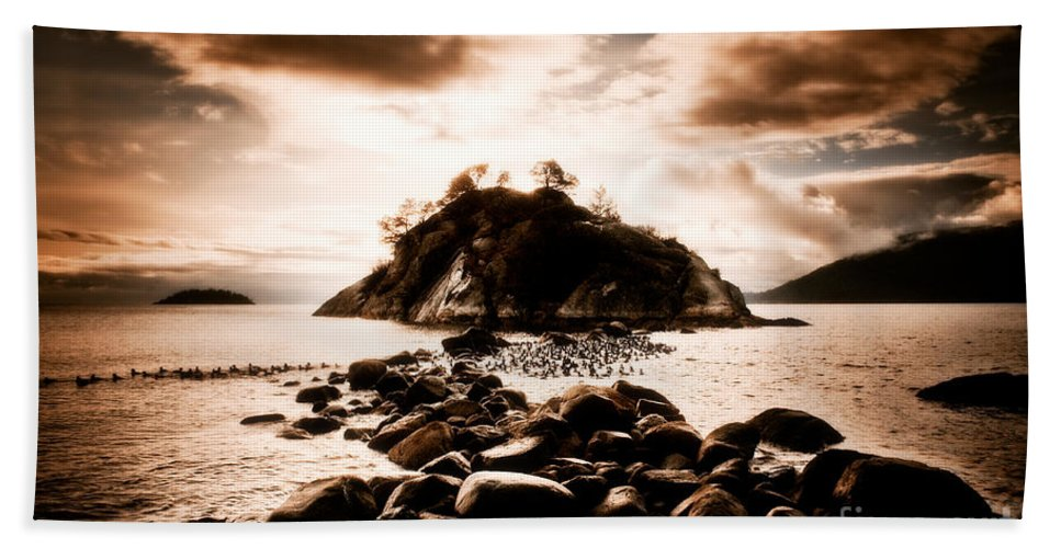 Beauty In Nature Beach Towel featuring the photograph Fleeting Path by Venetta Archer
