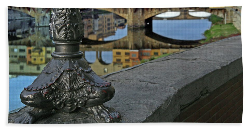 Florence Beach Towel featuring the photograph Florence The Old Bridge by Guy Ciarcia