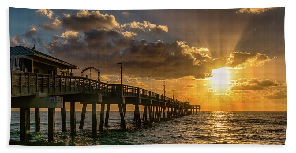 Dania Beach Beach Towel featuring the photograph Florida Sunrise At Dania Beach Pier by Donald Spencer
