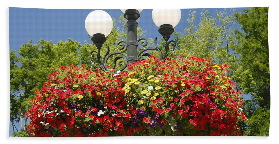 Flowers Beach Towel featuring the photograph Flowered Lamppost by David Lee Thompson