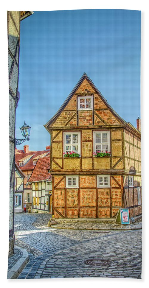 Quedlinburg Beach Towel featuring the photograph Germany - Half-timbered Houses And Alleys In Quedlinburg by Ina Kratzsch