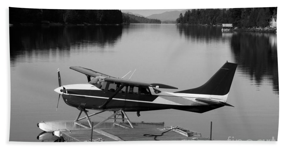 Float Plane Beach Sheet featuring the photograph Getting Away by David Lee Thompson