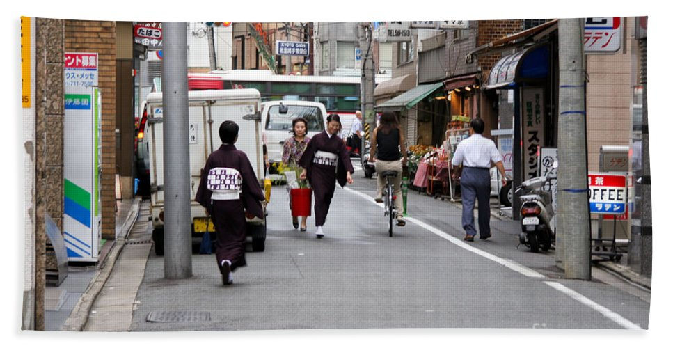 Kyoto Beach Towel featuring the photograph Gion District Street Scene Kyoto Japan by Thomas Marchessault