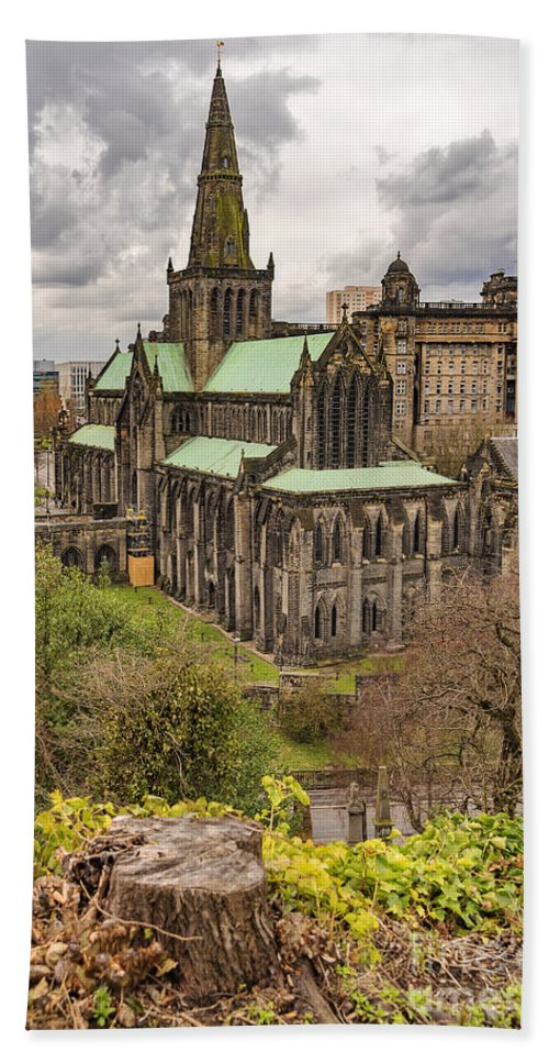 Glasgow Beach Towel featuring the photograph Glasgow Cathedral From The Necropolis by Antony McAulay