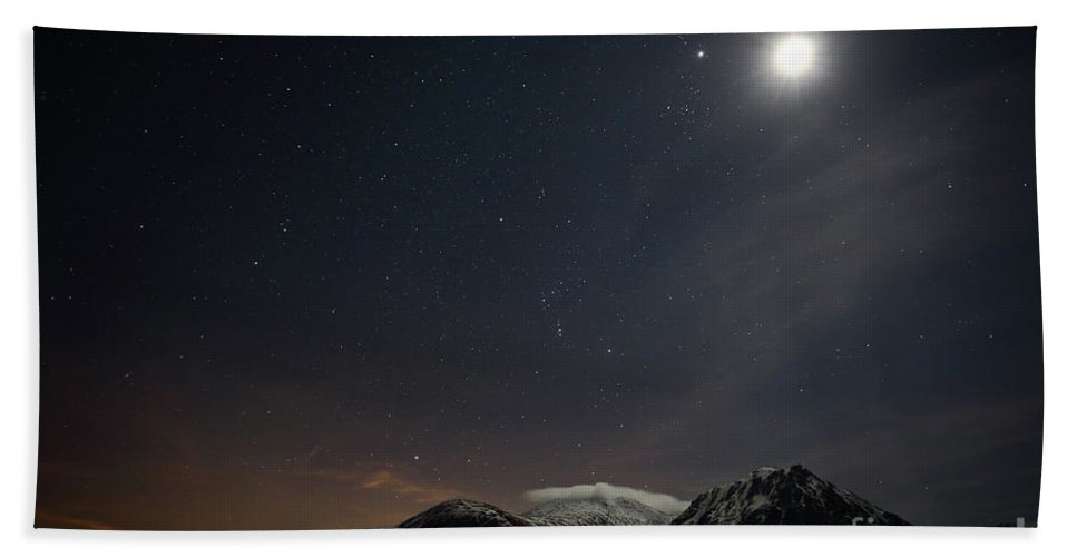 Glencoe Stars Beach Towel featuring the photograph Glencoe Skyscape by Maria Gaellman