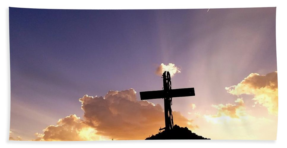 Sunset Beach Towel featuring the photograph Glory Of Christ by Rudy Gallegos
