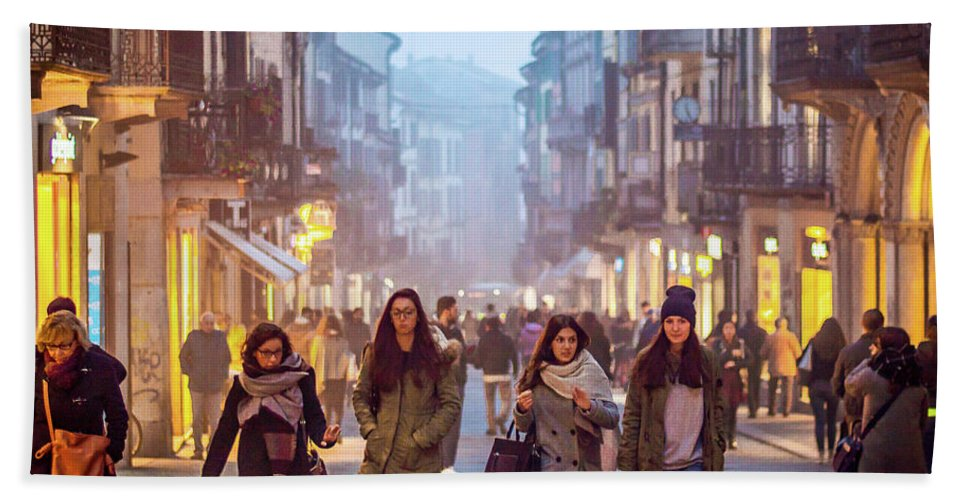 City Beach Towel featuring the photograph Going Shopping by Kyle Goetsch