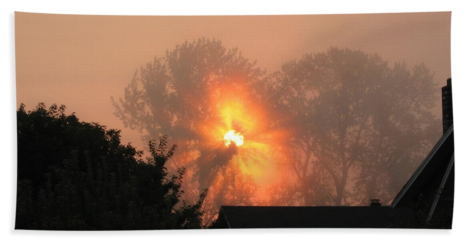 Landscapes Beach Towel featuring the photograph Goodnight Kiss by Shari Chavira