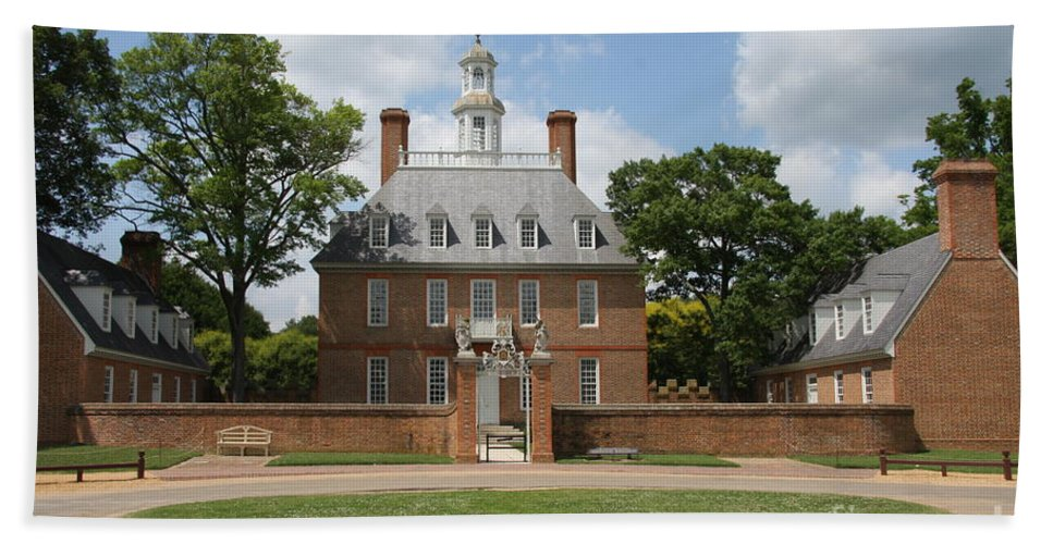 Governer Beach Towel featuring the photograph Governers Palace - Williamsburg Va by Christiane Schulze Art And Photography