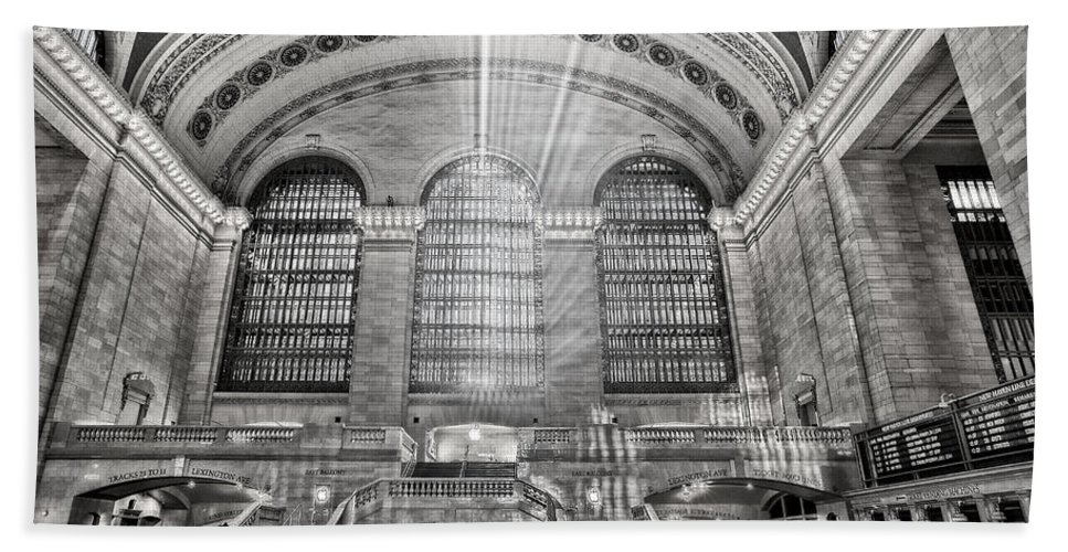 Grand Central Terminal Station Beach Towel featuring the photograph Grand Central Terminal Station by Susan Candelario