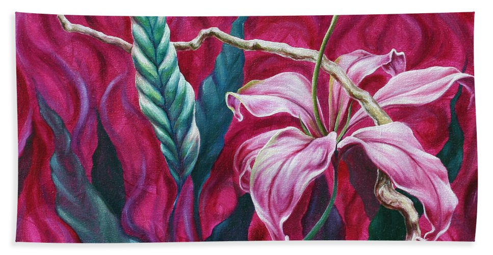Beach Towel featuring the painting Green Leaf by Jennifer McDuffie