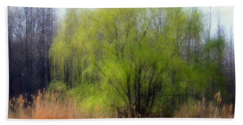 Scenic Art Beach Towel featuring the photograph Green Tree by Linda Sannuti