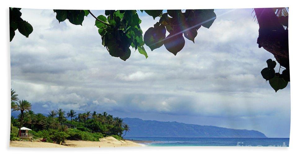 Hawaii Beach Towel featuring the photograph Hawii 3 by Ben Yassa