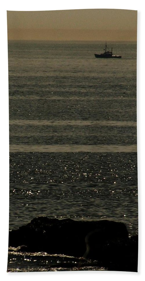 Ocean Beach Towel featuring the photograph Heading Out by Jeff Heimlich