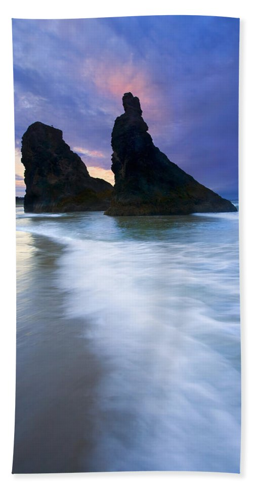 Face Rock Beach Towel featuring the photograph Heavenly Halo by Mike Dawson