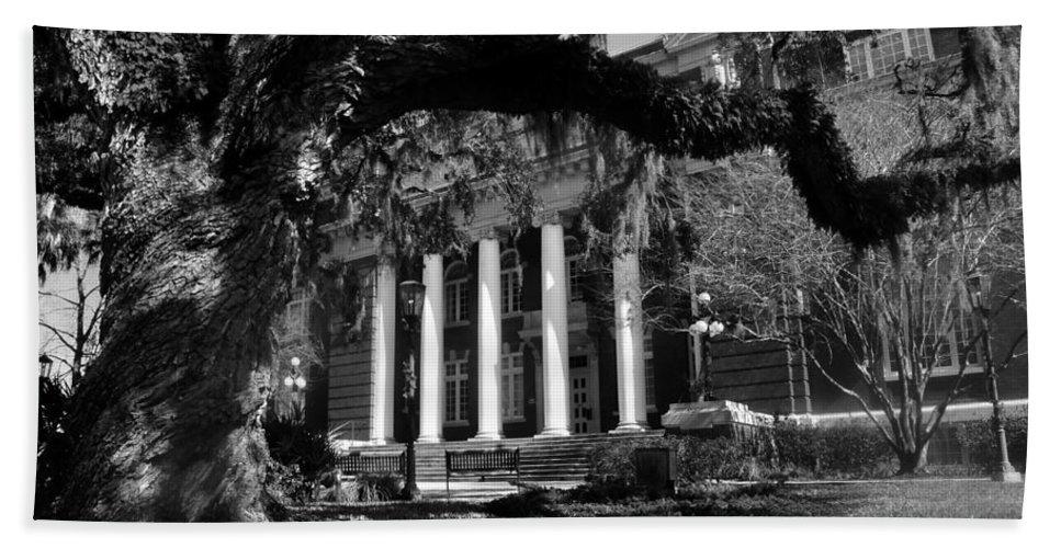 Hernando County Courthouse Beach Towel featuring the photograph Hernando County Courthouse by David Lee Thompson