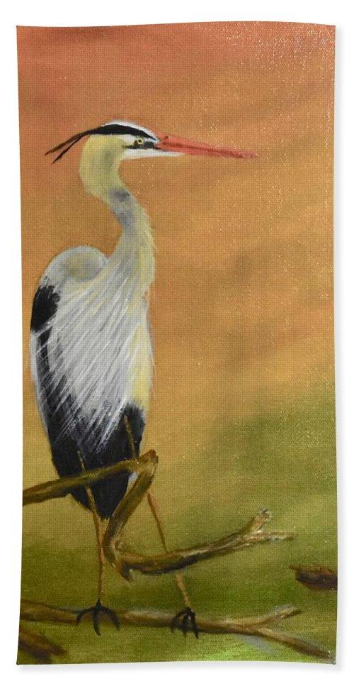 Heron Beach Towel featuring the painting Heron by David Crenshaw