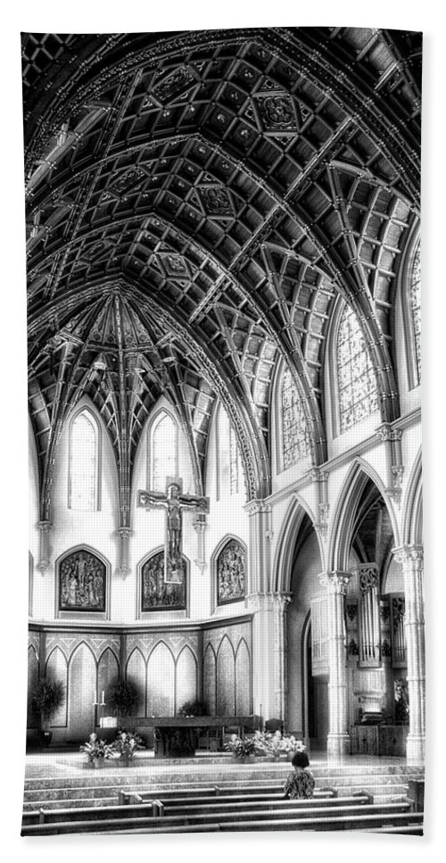 Holy Name Cathedral Beach Towel featuring the photograph Holy Name Cathedral Chicago Bw 03 by Thomas Woolworth
