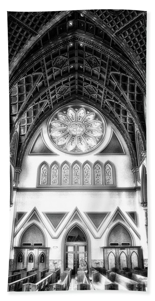 Holy Name Cathedral Beach Towel featuring the photograph Holy Name Cathedral Chicago Bw 06 by Thomas Woolworth