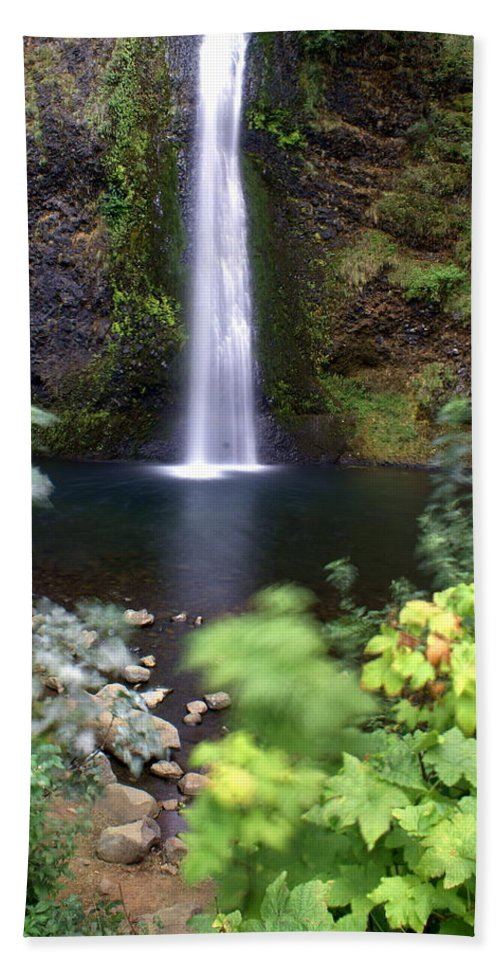 Columbia River Gorge Beach Towel featuring the photograph Horsetail Falls Basin by Marty Koch